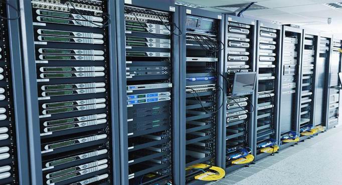 web-server-hosting-selection.jpg (682×368)